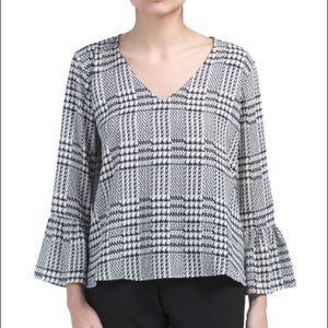 Tops - NWT * Bell Sleeve Plaid Top, size M